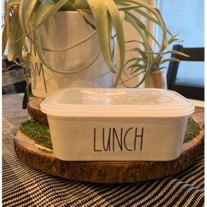 Rae dunn lunch Container